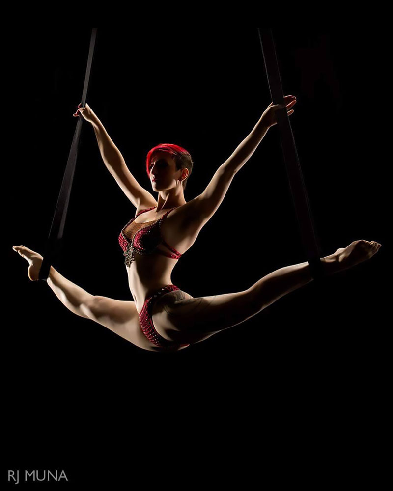 Sylphie Ariella - appearing with Wooden Nickel Circus